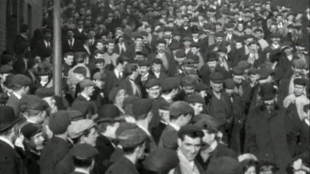 Employees entering Armstrong Works in 1900