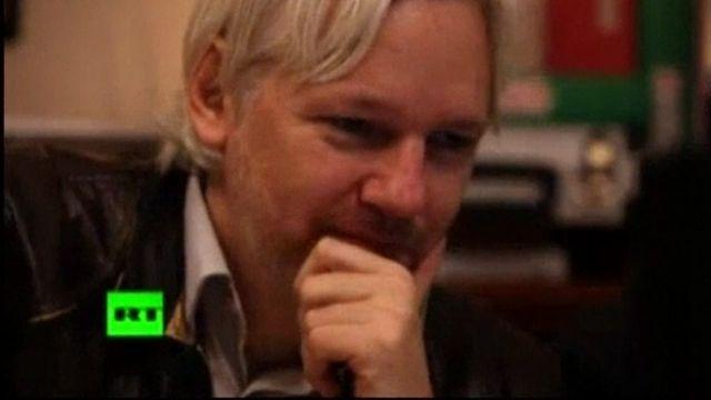 Assange interviews Ecuador president