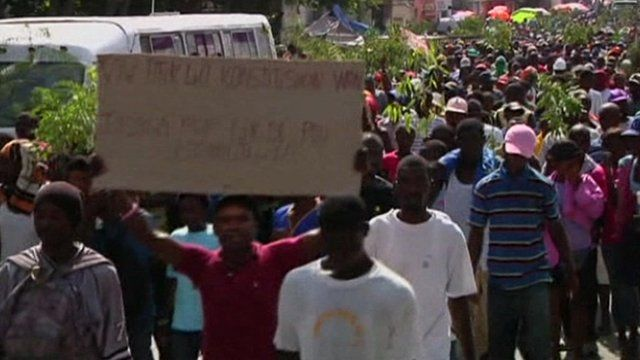 Protesters in Port-au-Prince
