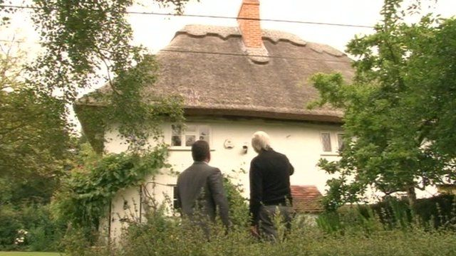 The thatched cottage at Preston St Mary
