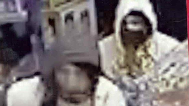 Robbery suspects caught on CCTV in Kidderminster store
