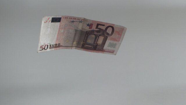 Floating money 50 euros