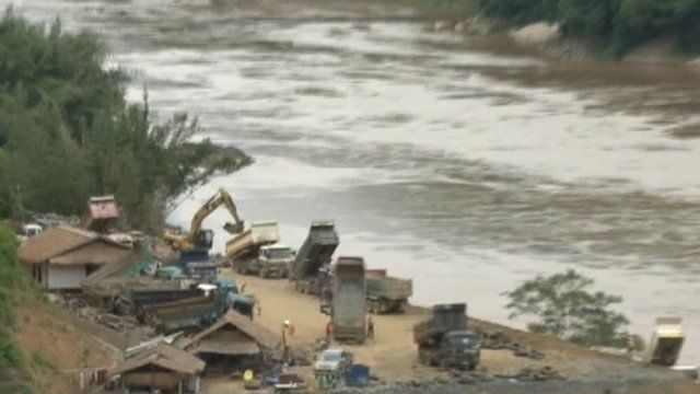 Work carried out at side of Mekong River