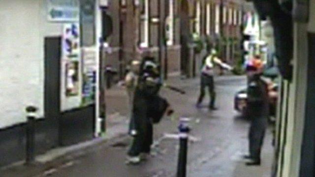 CCTV of foiled jewellery shop raid