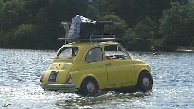 Group Ilotopie floating car