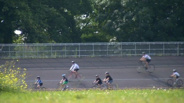 Amateur riders ride on the Herne Hill velodrome