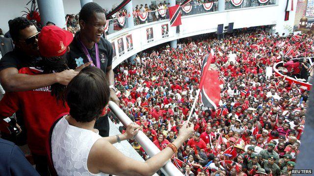 Crowds celebrate Keshorn Walcott's victory