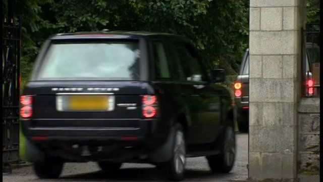Queen's vehicle drives into Balmoral