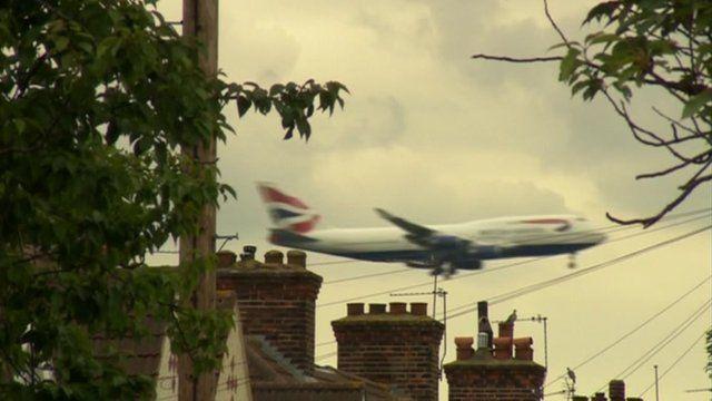 Plane flying over houses of Heathrow's neighbours