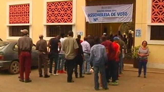 People queue to vote in Angola