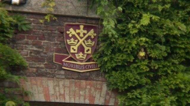 Kings School Tynemouth crest