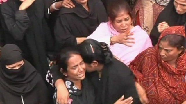 Mourners in Karachi