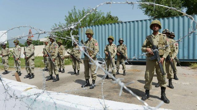 Pakistani rangers outside the US embassy in Islamabad on 21/9/12
