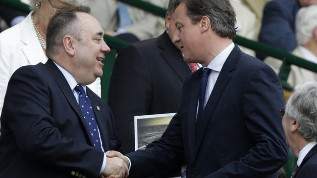 Alex Salmond shakes hands with David Cameron