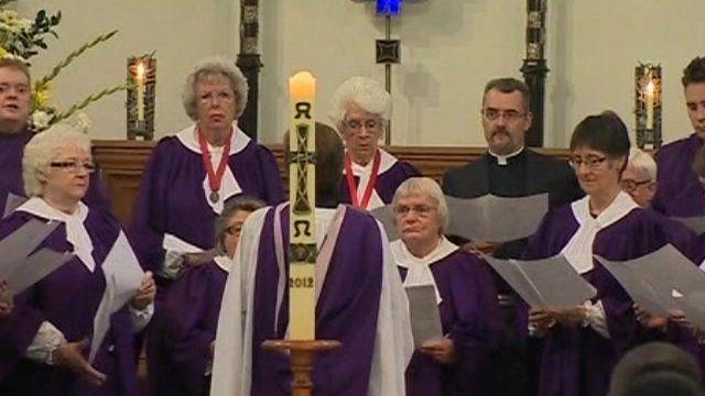 Choir sing at memorial service
