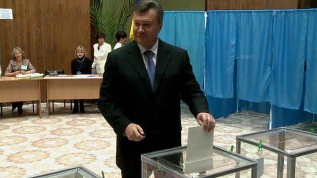 President Viktor Yanukovych casts his vote