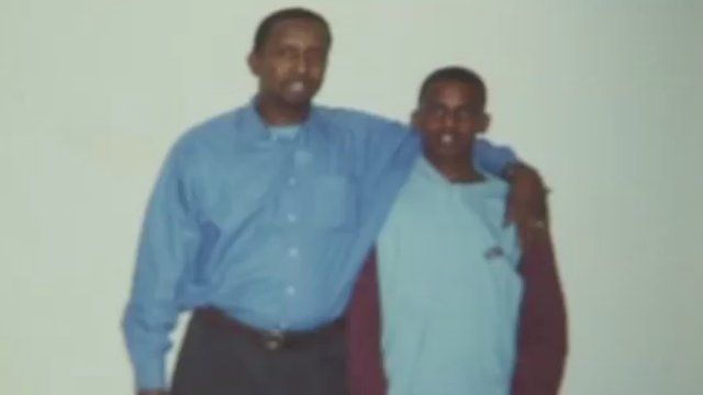 Mahdi Hashi (r) with his father