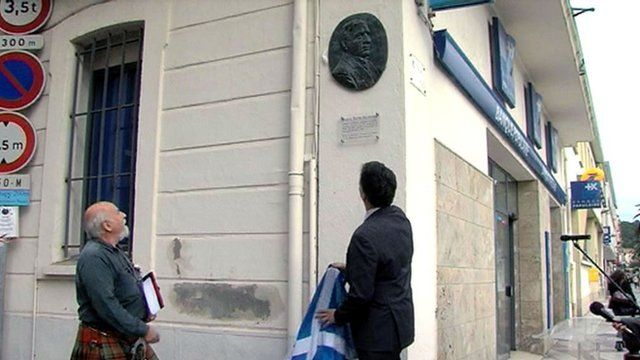 Secretary of State for Scotland Michael Moore unveils a plaque to Robert Louis Stevenson in Port-Vendres