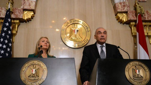 Egyptian Foreign Minister Kamel Amr and US Secretary of State Hillary Clinton