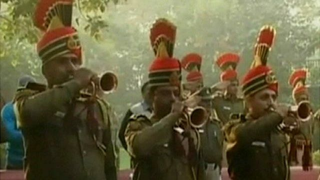 Fanfare at funeral of police officer killed in Delhi