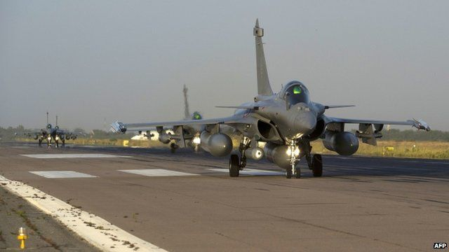 "French fighter jets arriving at Kossei camp in N""Djamena"