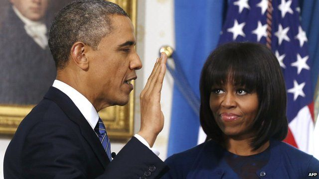 Barack Obama takes oath of office in the Blue Room at the White House on 20/1/13