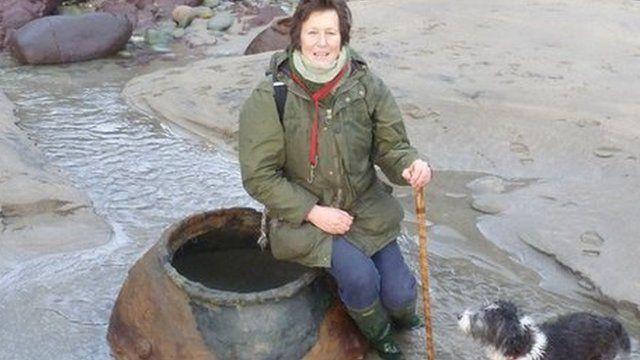 Julia Horton Powdrill with a mine