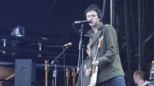 Jonny Marr performs