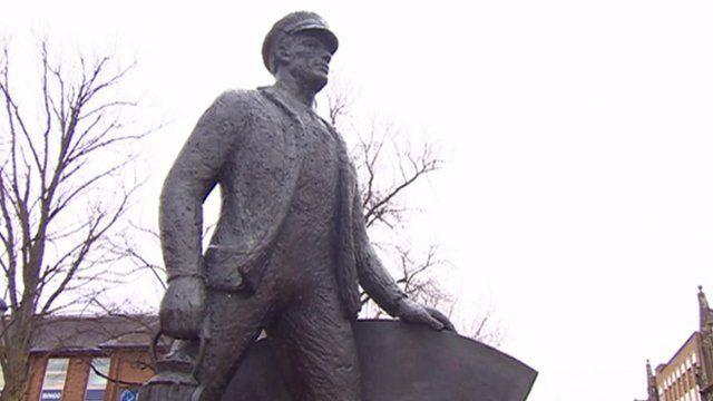Eastleigh statue