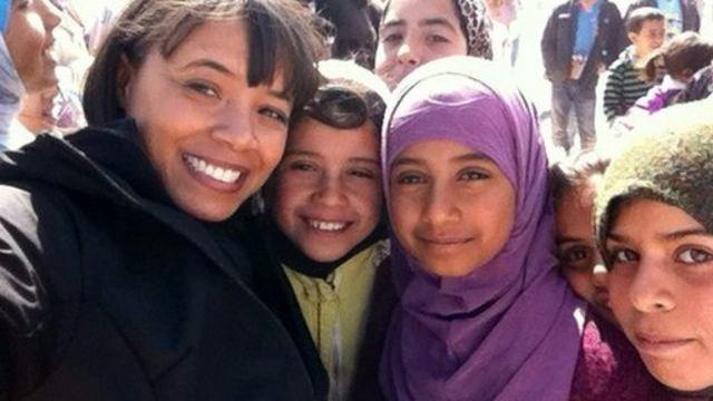 Leah with refugee children in Zaatari