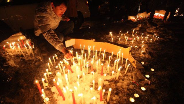 Changchun citizens gathered together to mourn the death of a two-month-old baby killed by a car thief in Changchun