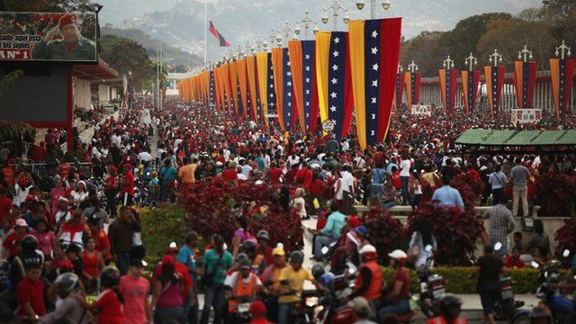 People waiting to view the remains of the late Venezuelan President Hugo Chavez