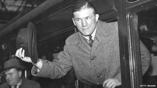 Tommy Farr: Round 15 v Joe Louis for world title, 1937 ...