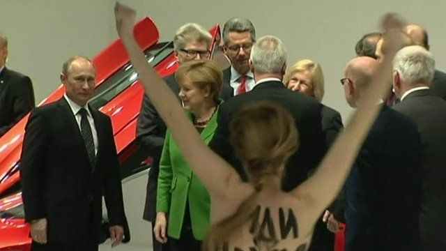 Topless women target Putin in protest