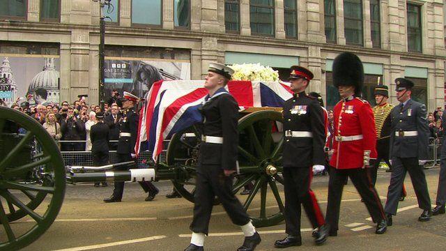 Gun carriage carrying coffin