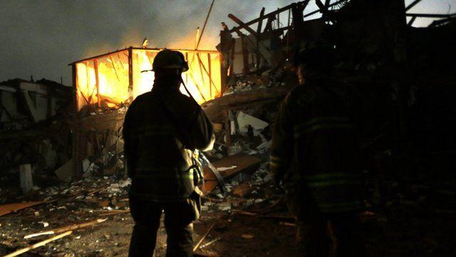 Firefighters at scene of fertiliser plant explosion near Waco, Texas