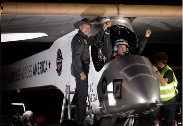 Solar Impulse plane lands in Phoenix