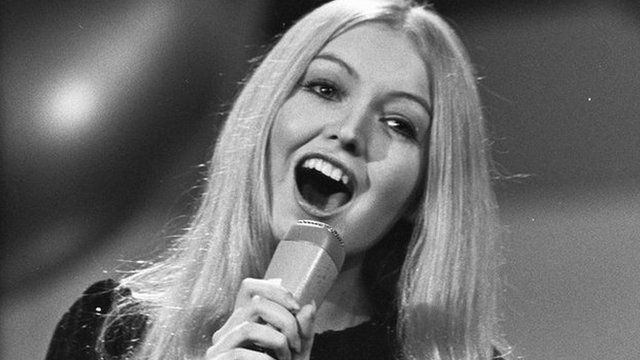 A young Mary Hopkin sings for Britain - Eurovision 1970