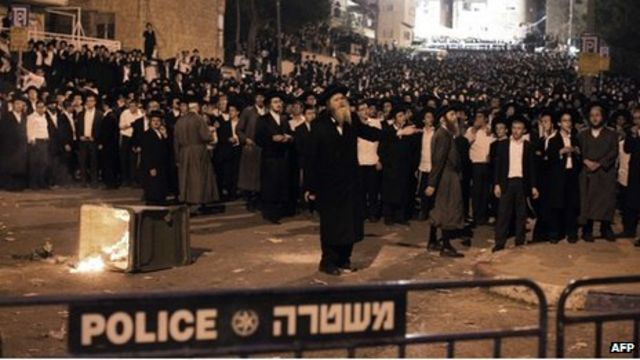 Ultra-Orthodox Jews in mass protest against Israel army draft
