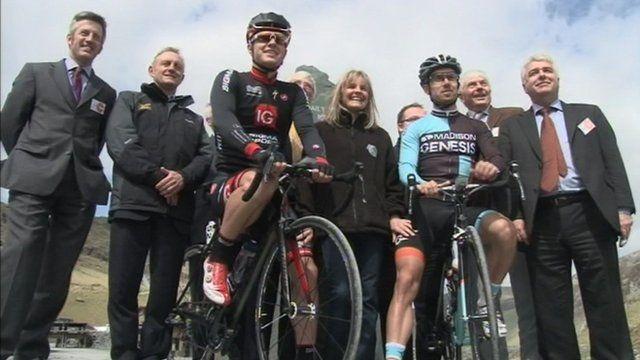 Cyclists Matt Cronshaw and Jack Pullar