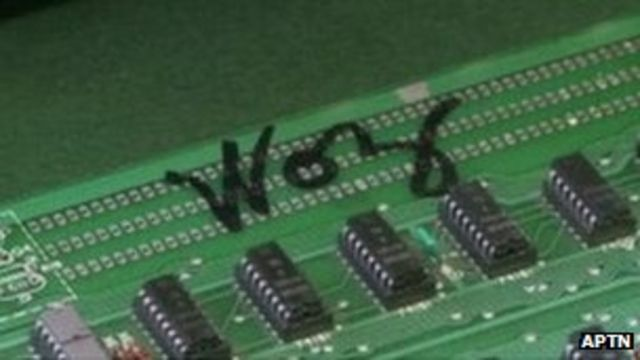 Apple 1 from 1976 signed by Wozniak sells for $650,000