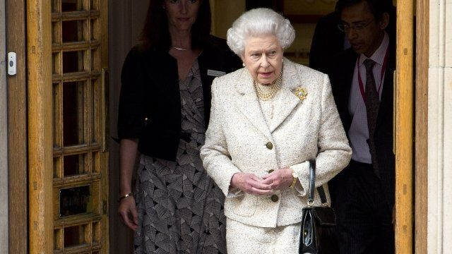 The Queen leaves hospital after visiting Duke of Edinburgh