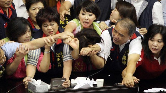 Fighting breaks out in Taiwan parliament