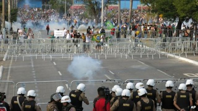 Brazilian protesters clash with police outside stadium