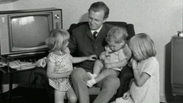 Dennis Potter and his children in 1969