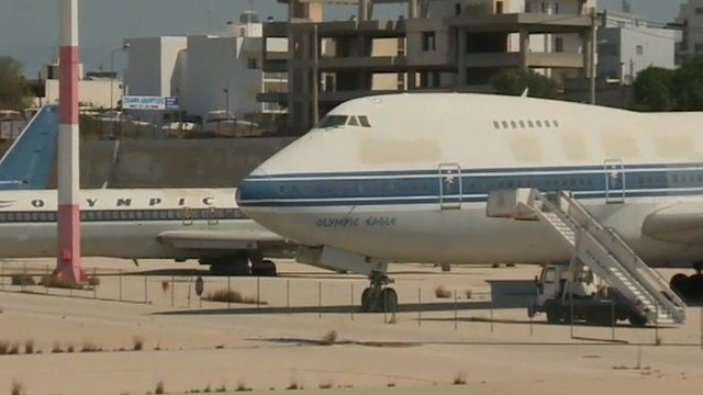 Plane sat on runway