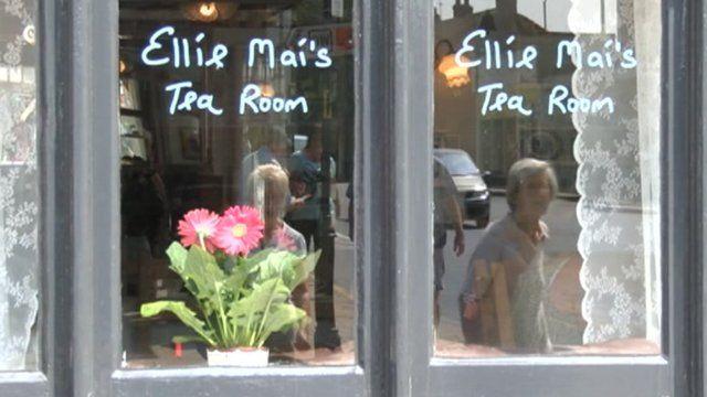 Ellie Mai's Team Room