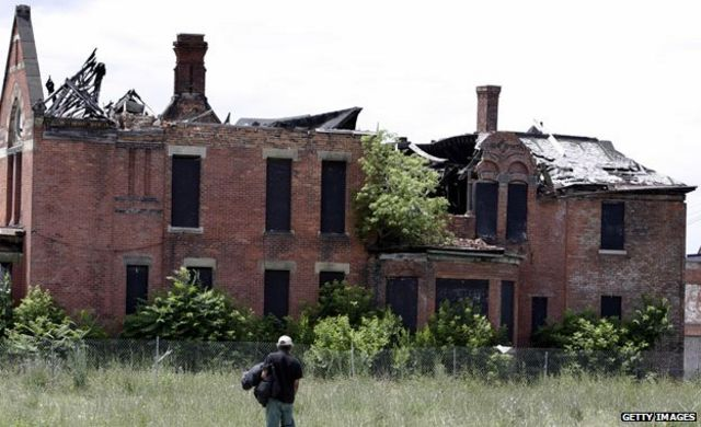Detroit: Six ways 'shrinking' cities try to survive