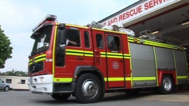 Hampshire Fire and Rescue engine
