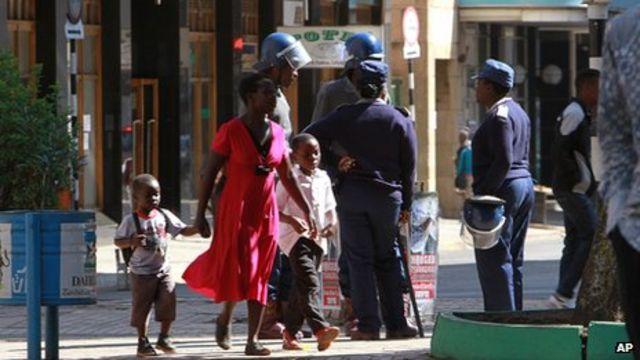 Zimbabwe: 'Huge' economic challenges after election